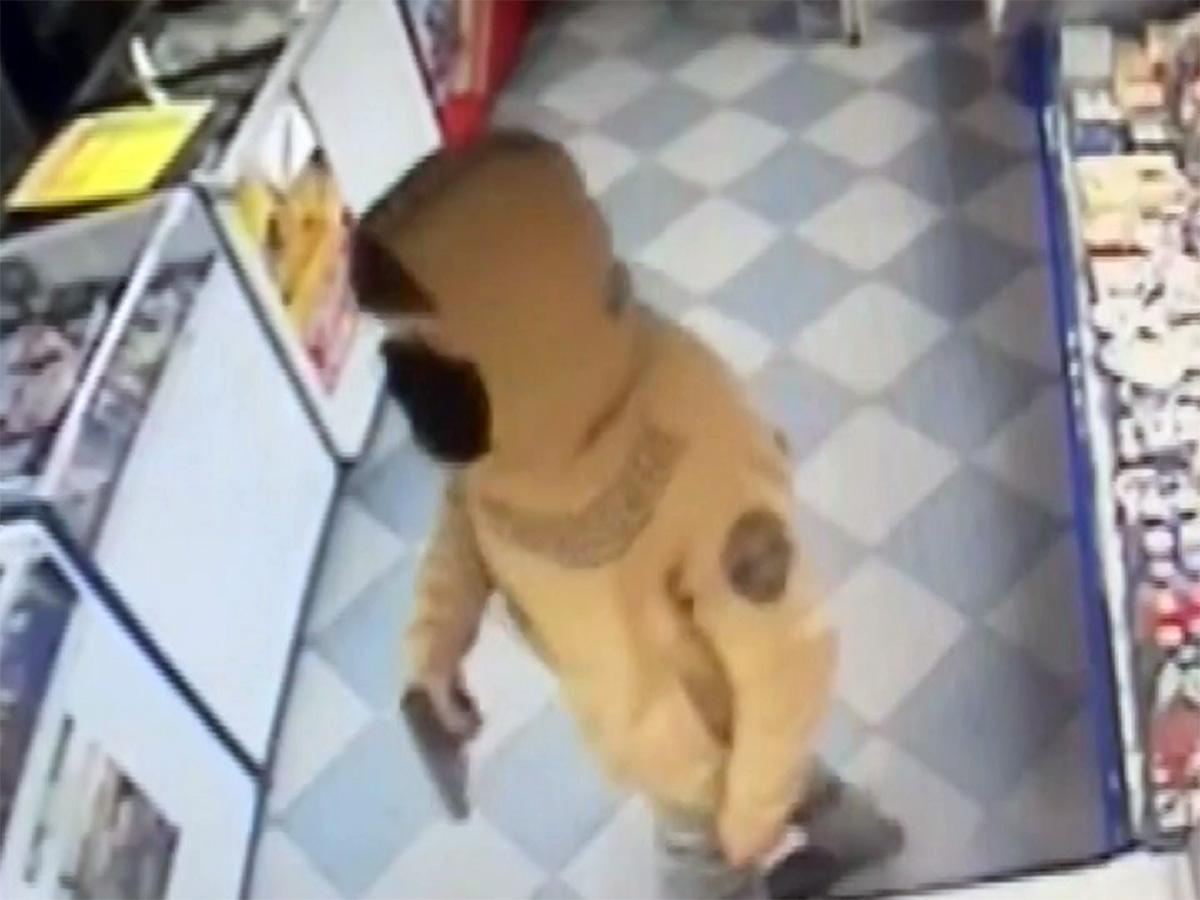 В Лабинском районе продавец обманула налетчика и вызвала помощь
