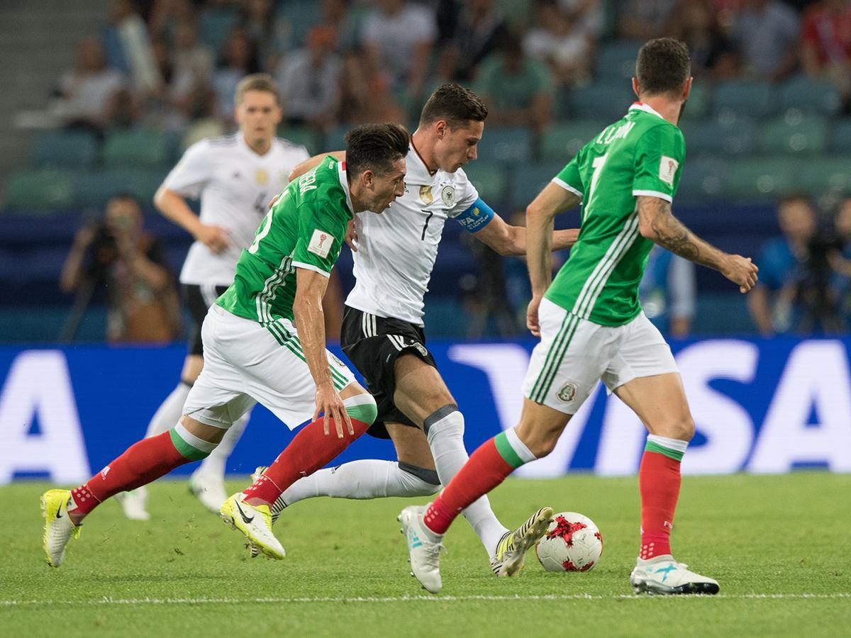 В Сочи на стадионе «Фишт» прошел полуфинальный матч Кубка конфедераций между Германией и Мексикой