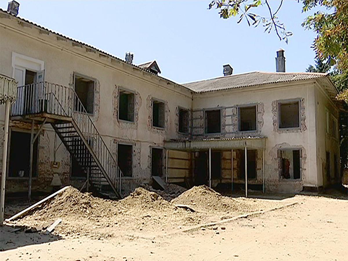 Жители Усть-Лабинска собрали 1 млн рублей для реконструкции роддома