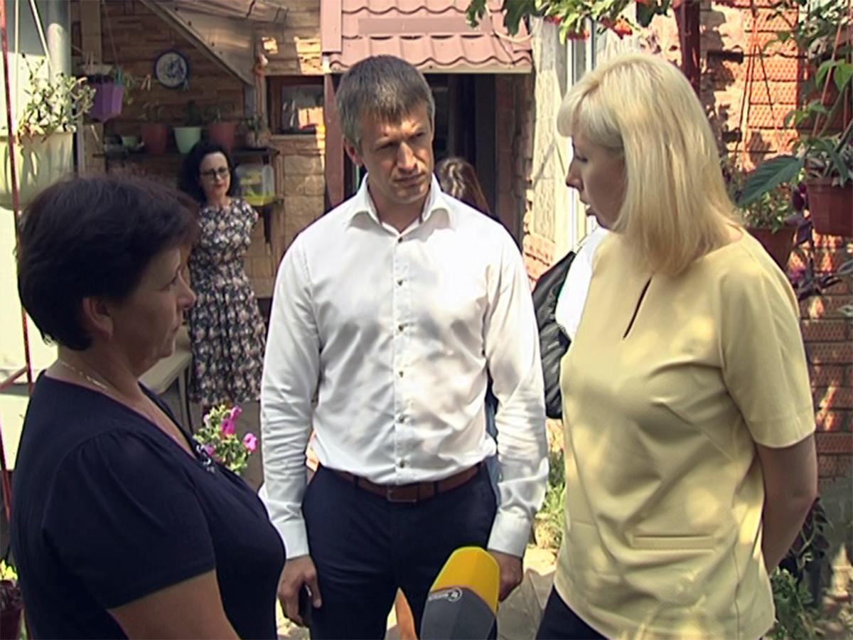 В преддверии начала учебного года Анна Минькова посетила многодетные семьи
