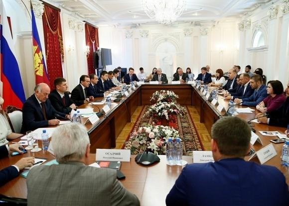 Спецрепортаж: Встреча Вениамина Кондратьева с депутатами Государственной Думы РФ