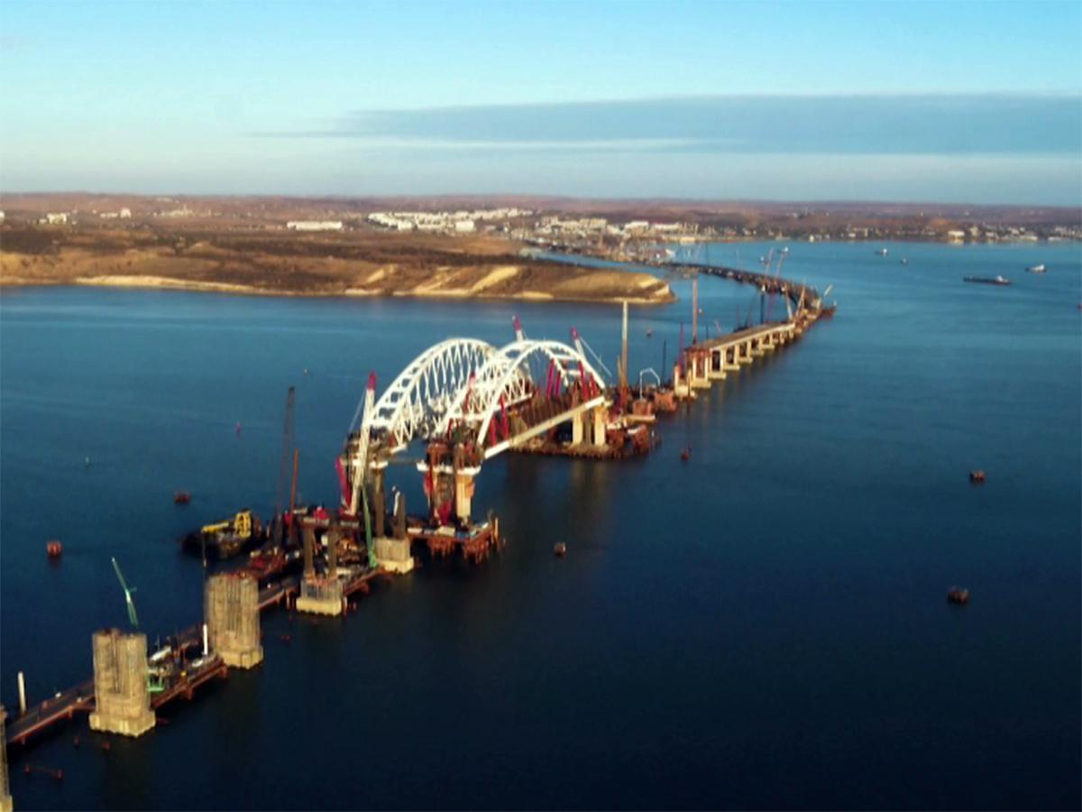 Готовность моста через Керченский пролив оценили в 45%
