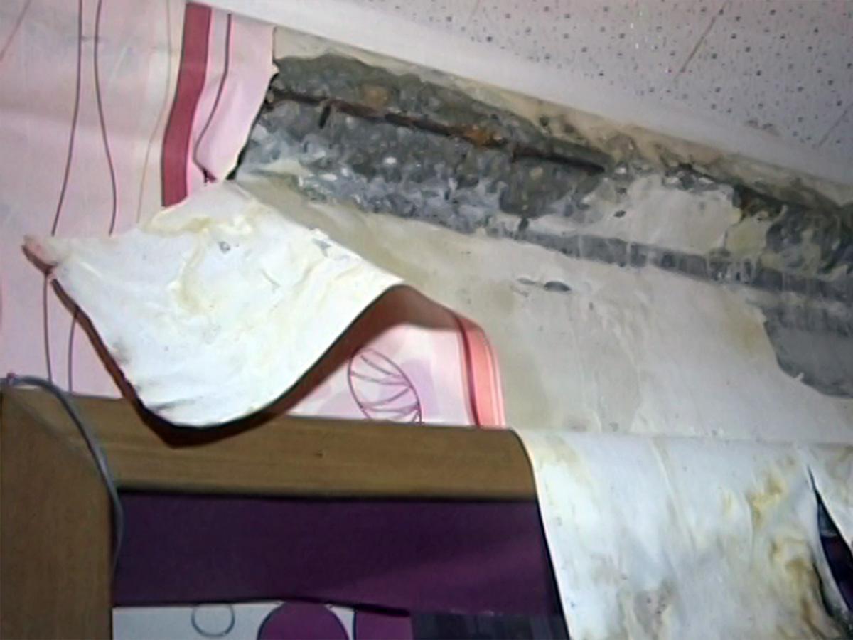 В Туапсе квартиры многоэтажки затопило после капремонта крыши
