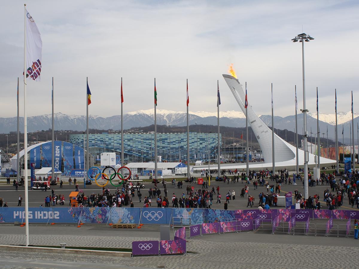 Россия опустилась с первого на третье место в командном зачете Игр в Сочи