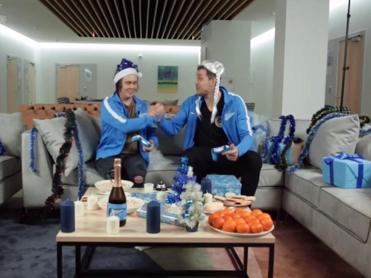 Как спортивные клубы поздравляют болельщиков с Новым годом