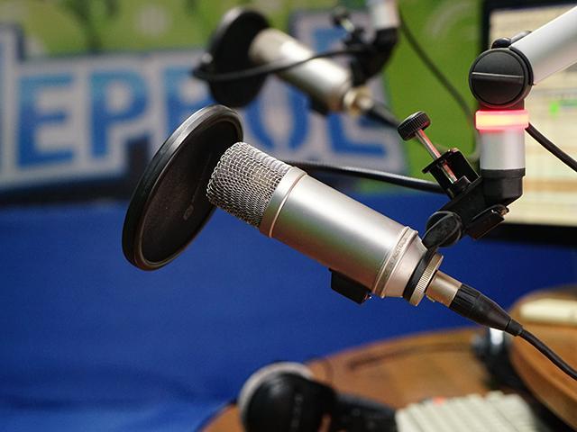 Корреспондент «Кубань 24» посетил студию «Первого радио»