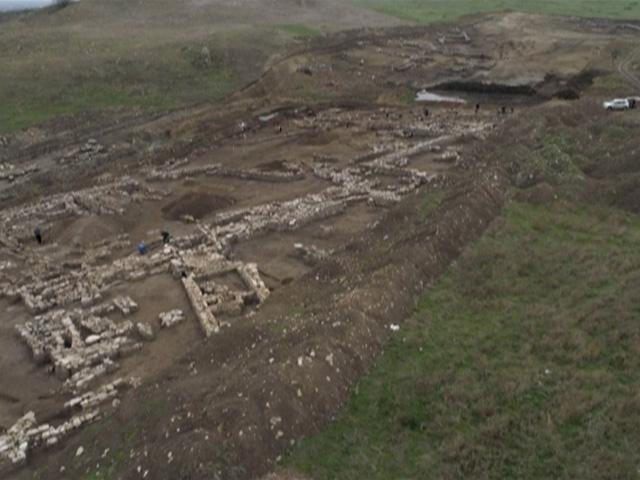 Какие артефакты обнаружили археологи во время строительства Крымского моста