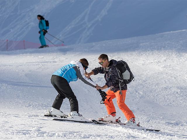 Спасатели и инструкторы горнолыжных курортов Сочи рассказали о своей работе