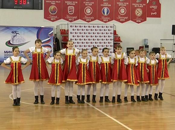 В Краснодаре прошел чемпионат края по акробатическому рок-н-роллу