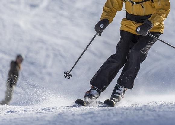 В Сочи прошли соревнования для лыжников и сноубордистов