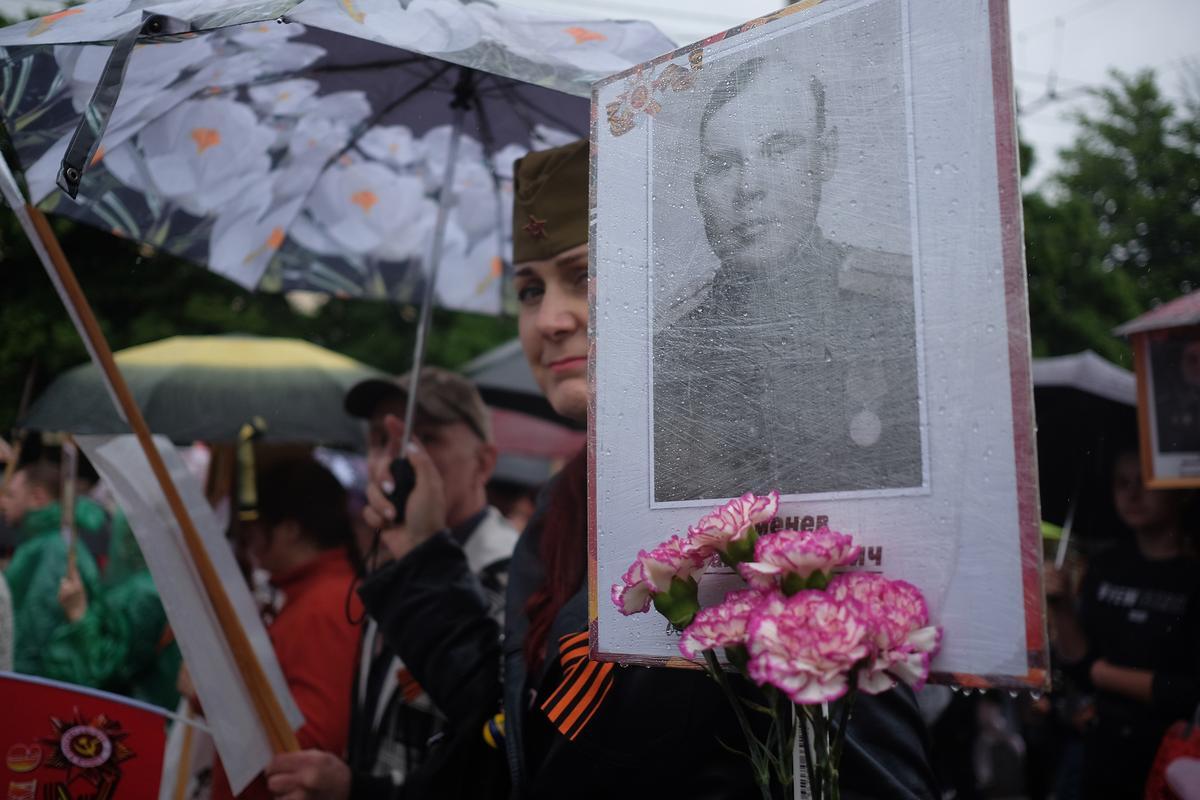 Корреспондент «Кубань 24» пообщался с участниками «Бессмертного полка» в Краснодаре