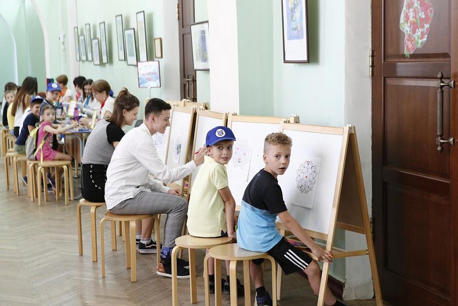 Вениамин Кондратьев посетил краевой дворец детского творчества в Краснодаре
