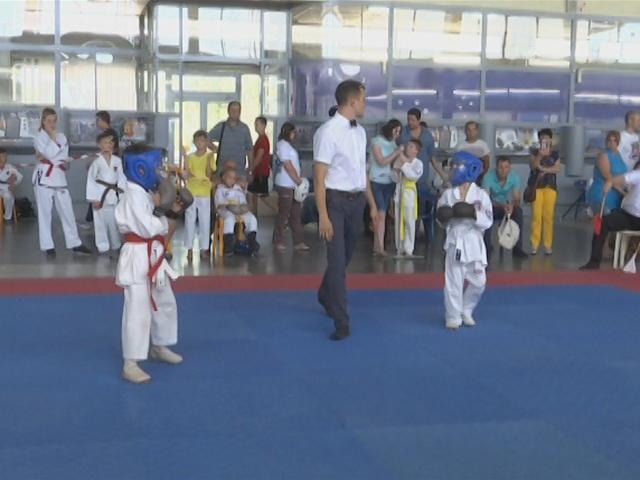 В Новороссийске прошли первые краевые соревнования по всестилевому карате