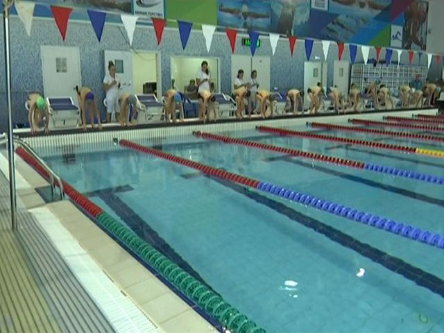 В Краснодаре стартовал краевой турнир «Юный пловец»
