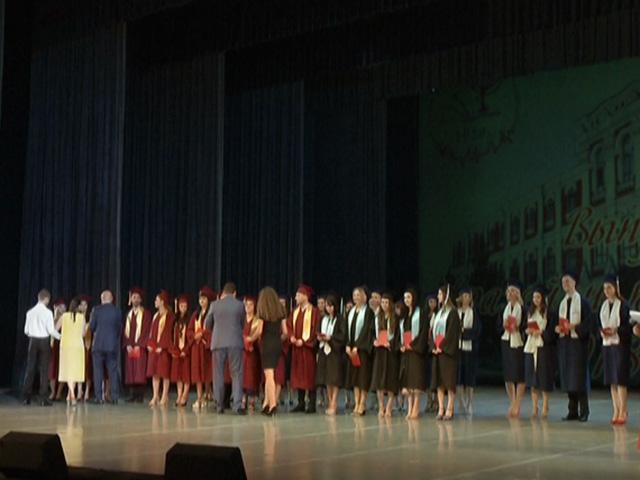 В Краснодаре 843 выпускника КубГМУ получили дипломы