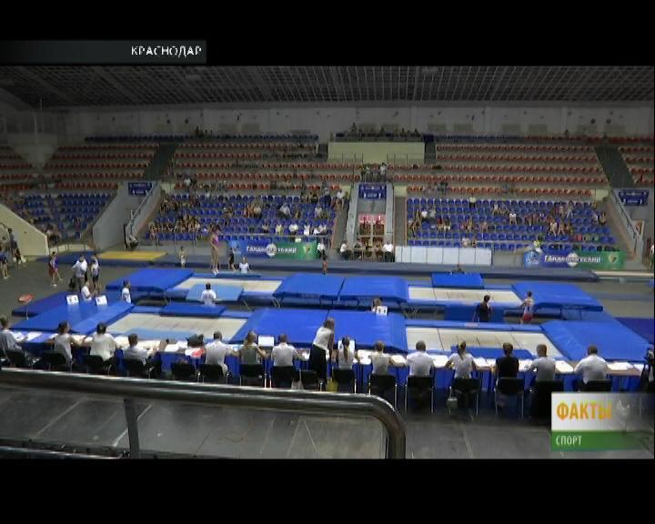 В Краснодаре стартовал Всероссийский турнир по прыжкам на батуте
