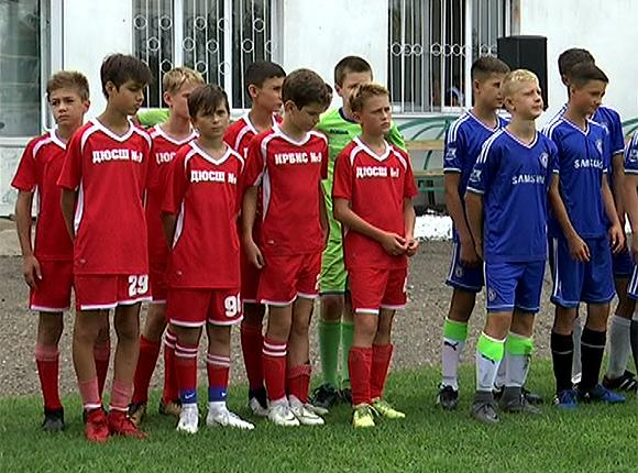 Команда Белореченского района вышла в финал всекубанского турнира по дворовому футболу