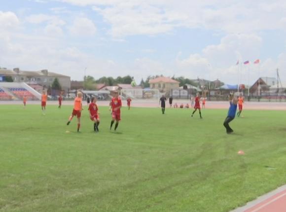 В Краснодаре прошли два финальных матча турнира по дворовому футболу