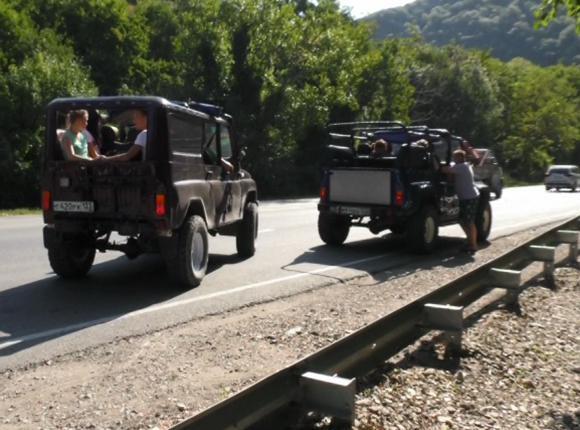 В Геленджике сотрудники ГИБДД провели рейд по проверке перевозчиков