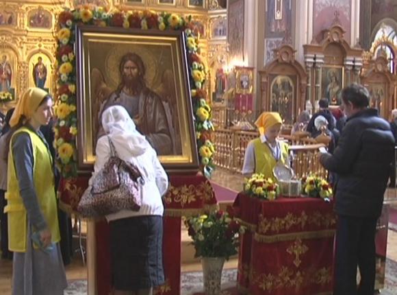 Как в Краснодаре встретили ковчег с мощами Иоанна Крестителя