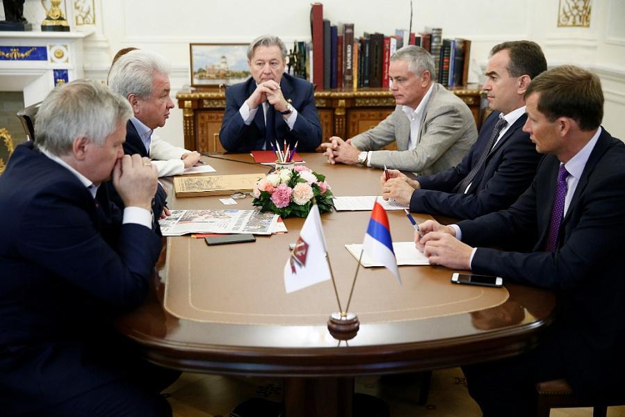 Кондратьев в Москве обсудил меры поддержки сельхозкооперативов