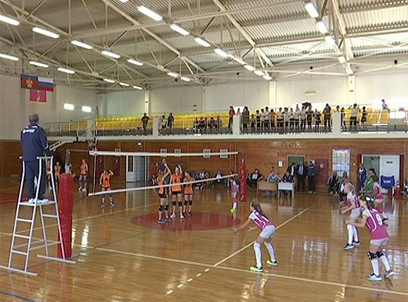 В Выселковском районе прошли игры первенства края по волейболу