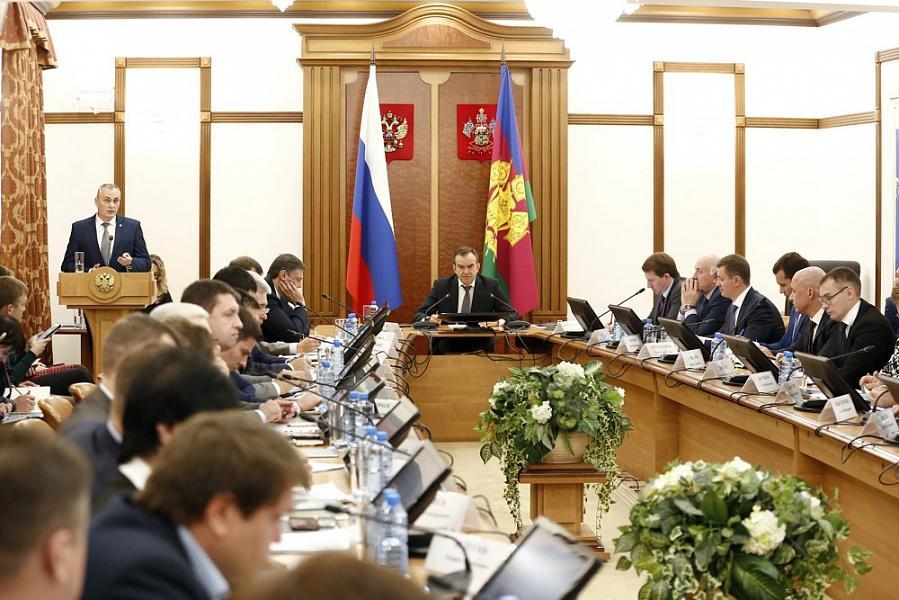 «Факты 24»: Кондратьев проверил выполнение поручений в муниципалитетах края, в Краснодаре открылся фестиваль «Кубань театральная»