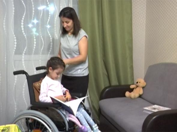 «Край Добра» соберет деньги на инвалидную коляску для Адель Байрамовой