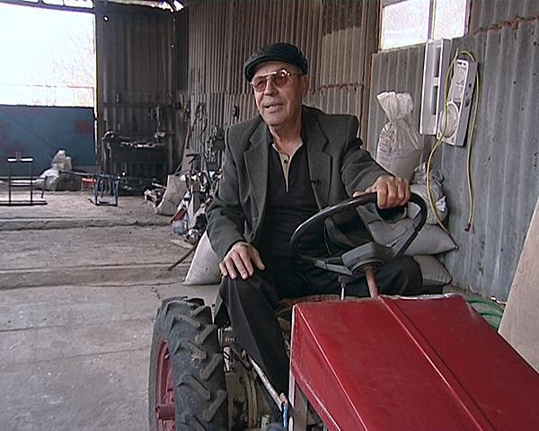Кубанский фермер сконструировал сельхозтехнику из металлолома