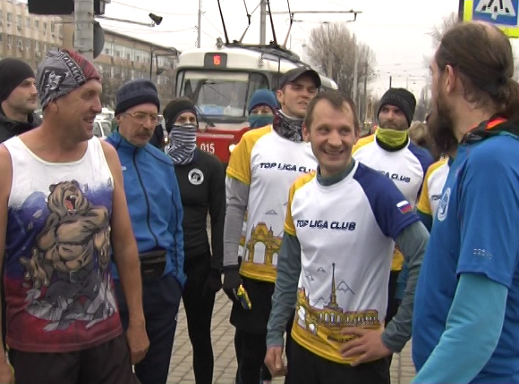 Краснодарские марафонцы пробежали маршрут быстрее трамвая