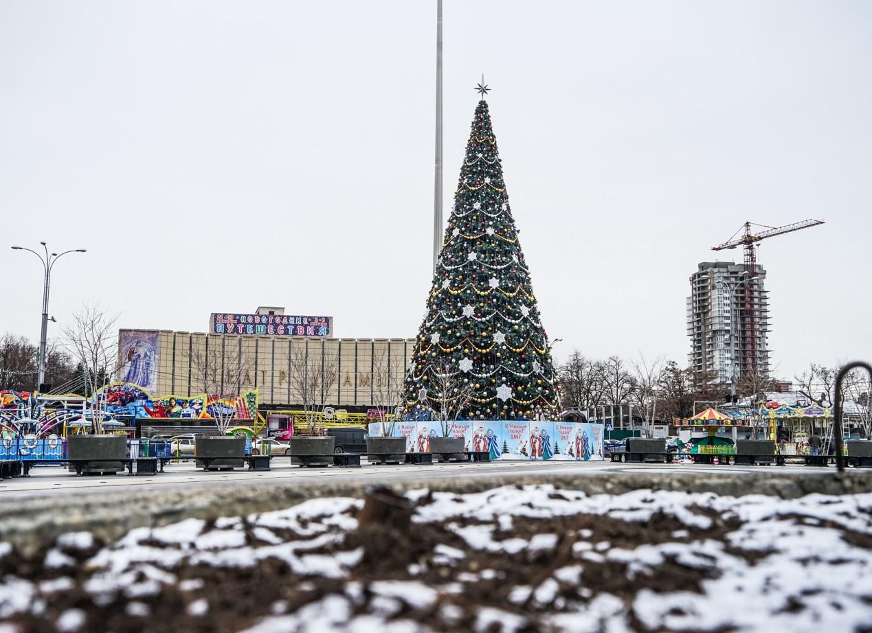 В Краснодаре подготовили больше 400 площадок для новогодних гуляний