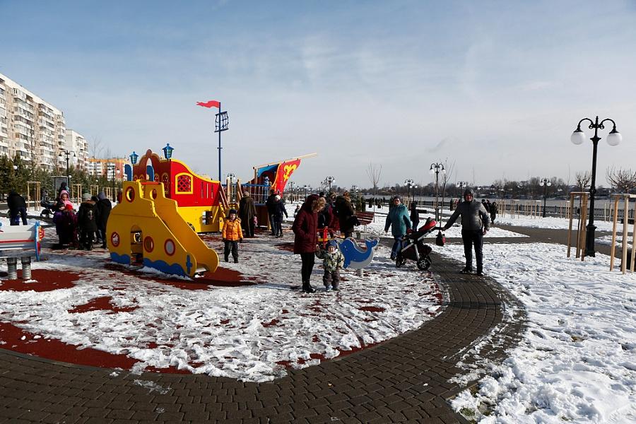 В Краснодаре открыли аллею в честь 80-летия образования края