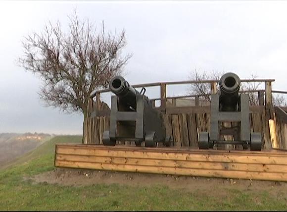 В Усть-Лабинске пушки реконструированной Александровской крепости дали первый залп