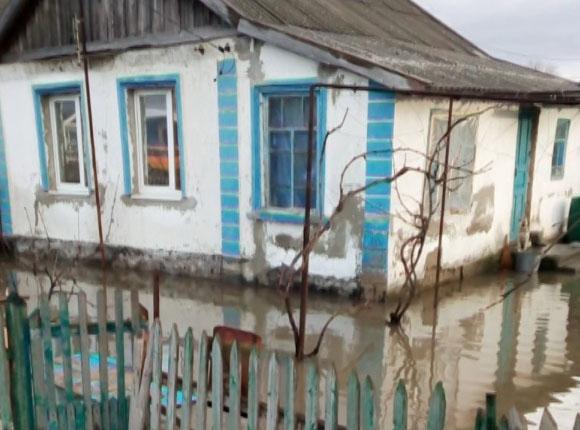 После сильных осадков в Анапе и Темрюке подтопило десятки домов