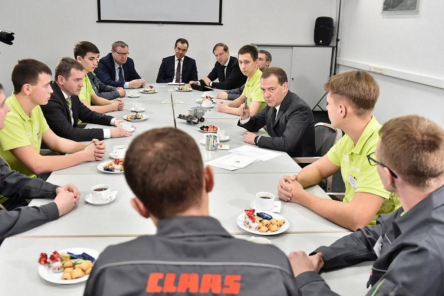 Дмитрий Медведев провел рабочий день в Краснодаре