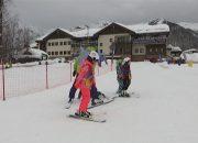 Как на курортах Красной Поляны детей обучают горнолыжному спорту