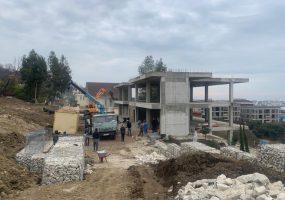 В Сочи снесут трехэтажный самострой площадью 400 кв. метров