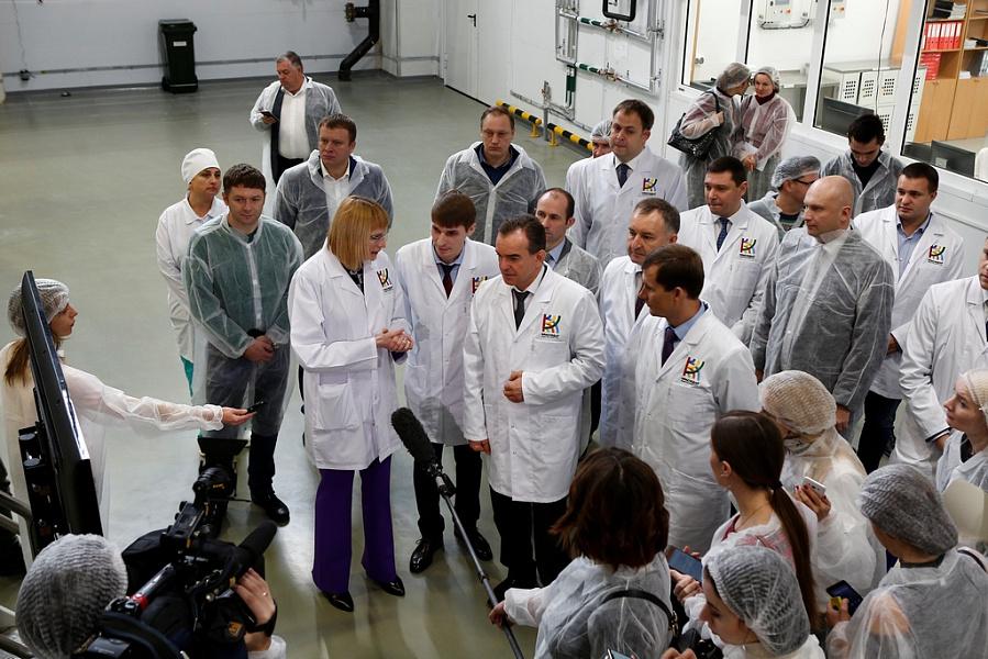 «Факты 24»: в индустриальном парке Краснодара открыли комбинат хлебопродуктов, Роспотребнадзор обнародовал результаты экспертизы молочной продукции