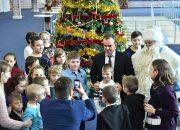 «Факты 24»: больше тысячи детей из разных районов Кубани посетили губернаторскую елку в Краснодаре, на дорогах Краснодарского края из-за гололеда и снегопада резко возросло число ДТП