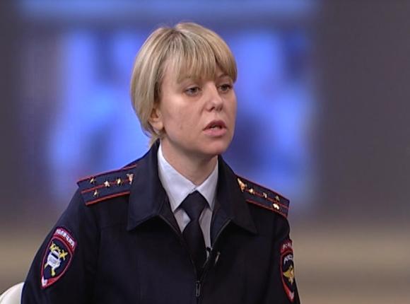 Начальник отдела пропаганды УГИБДД ГУ МВД РФ по краю Ирина Заватская: зимой водители должны менять манеру вождения