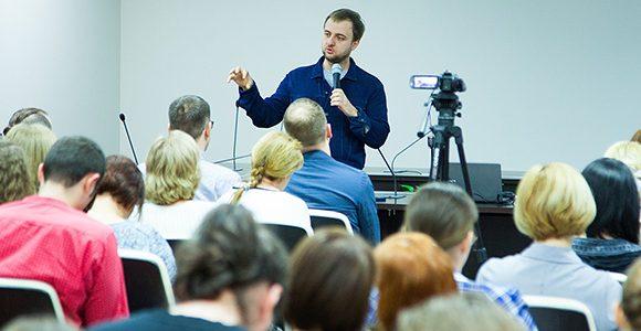 Максим Ильяхов: мечтаю, чтобы государство научилось говорить с людьми на понятном языке