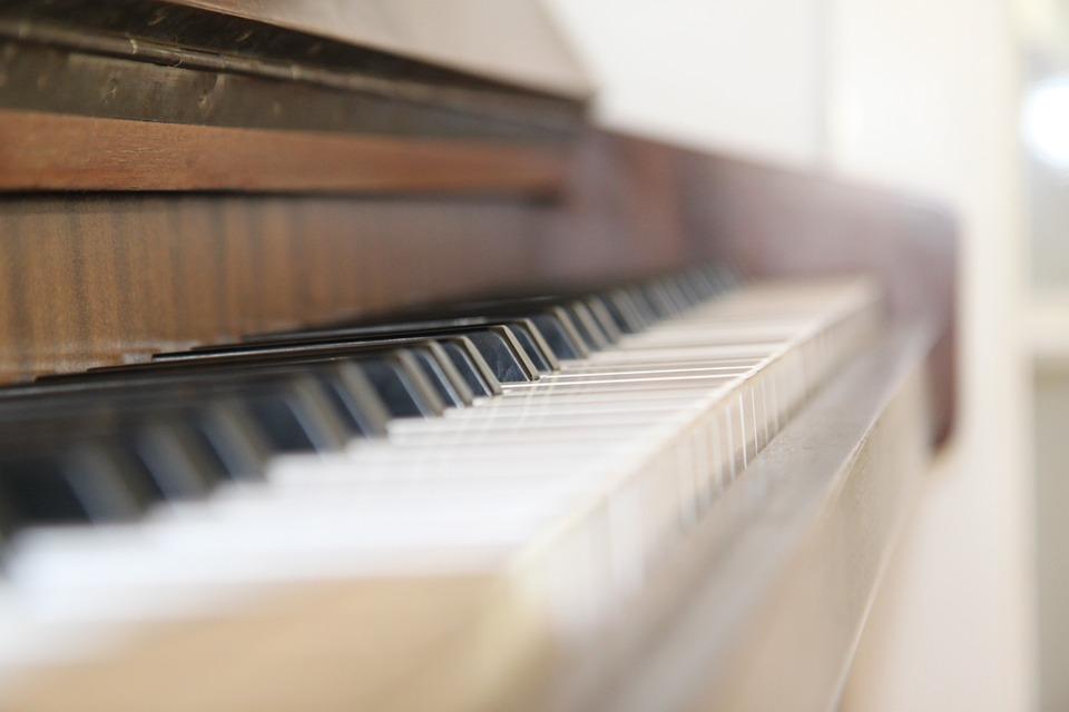 Настройщик фортепиано Иван Ануфриенко:  работа с инструментом может продолжаться от десяти минут до нескольких часов