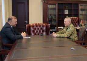 Глава Адыгеи провел встречу с командующим Южным округом войск Росгвардии