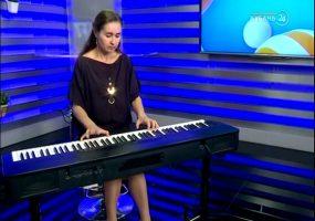 В программе «Хорошее утро» выступила певица и композитор Елена Жданова