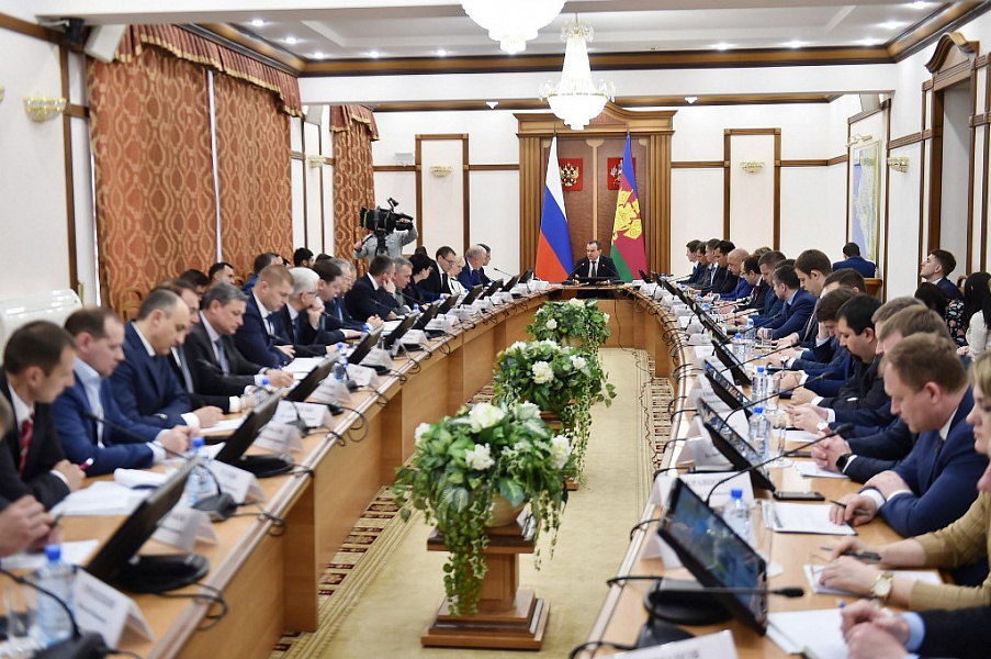 «Факты 24»: Вениамин Кондратьев провел час контроля, на Кубани МЧС объявило экстренное предупреждение из-за понижения температуры воздуха