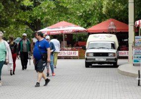 В Анапе запретят парковать автомобили на набережной