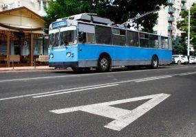В Краснодаре на пяти улицах сделают выделенные полосы для троллейбусов