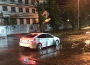 В Краснодаре ночью последствия ливня устраняли водооткачивающие машины