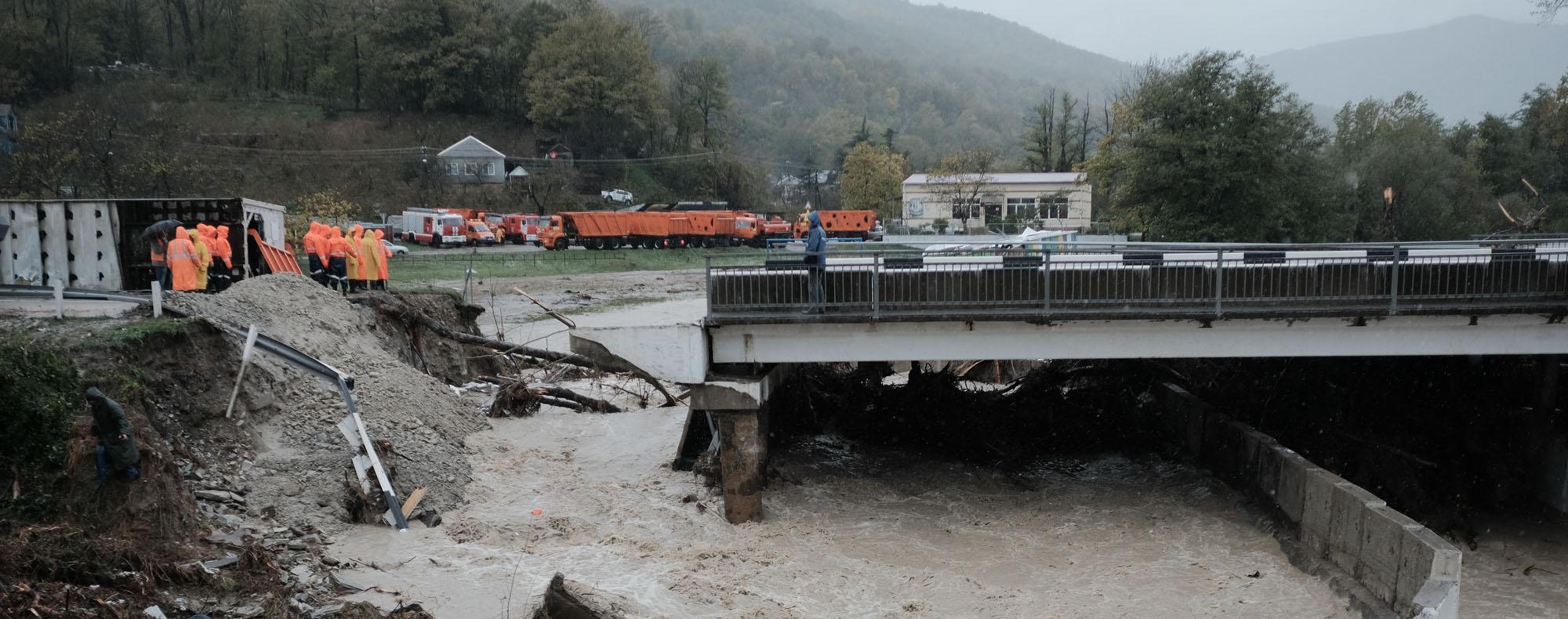 Люди и грязь — по следам потопа: Туапсе, Кривенковское, Кабардинская, Хадыженск