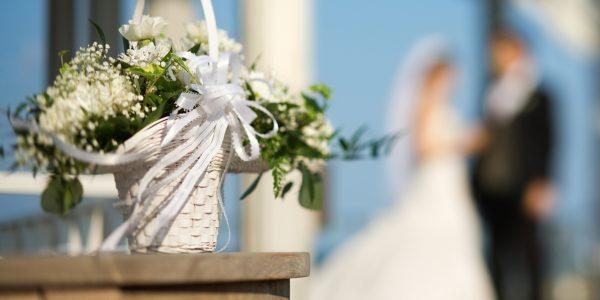 Свадебные приметы: спасайся, кто может!